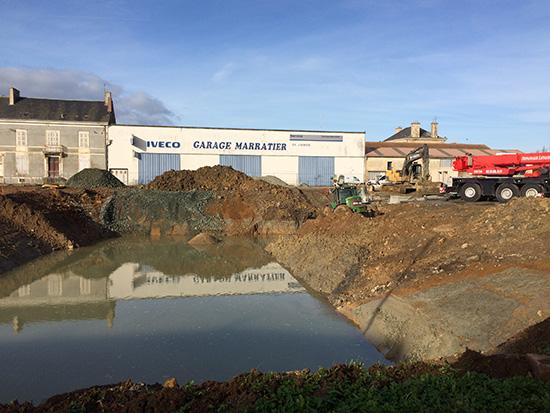 Lu on les travaux de la future piscine for Travaux piscine